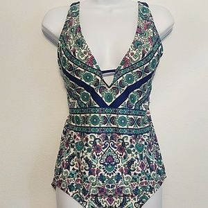 NWT Cleanwater L v-neck plunging 1 piece swimsuit